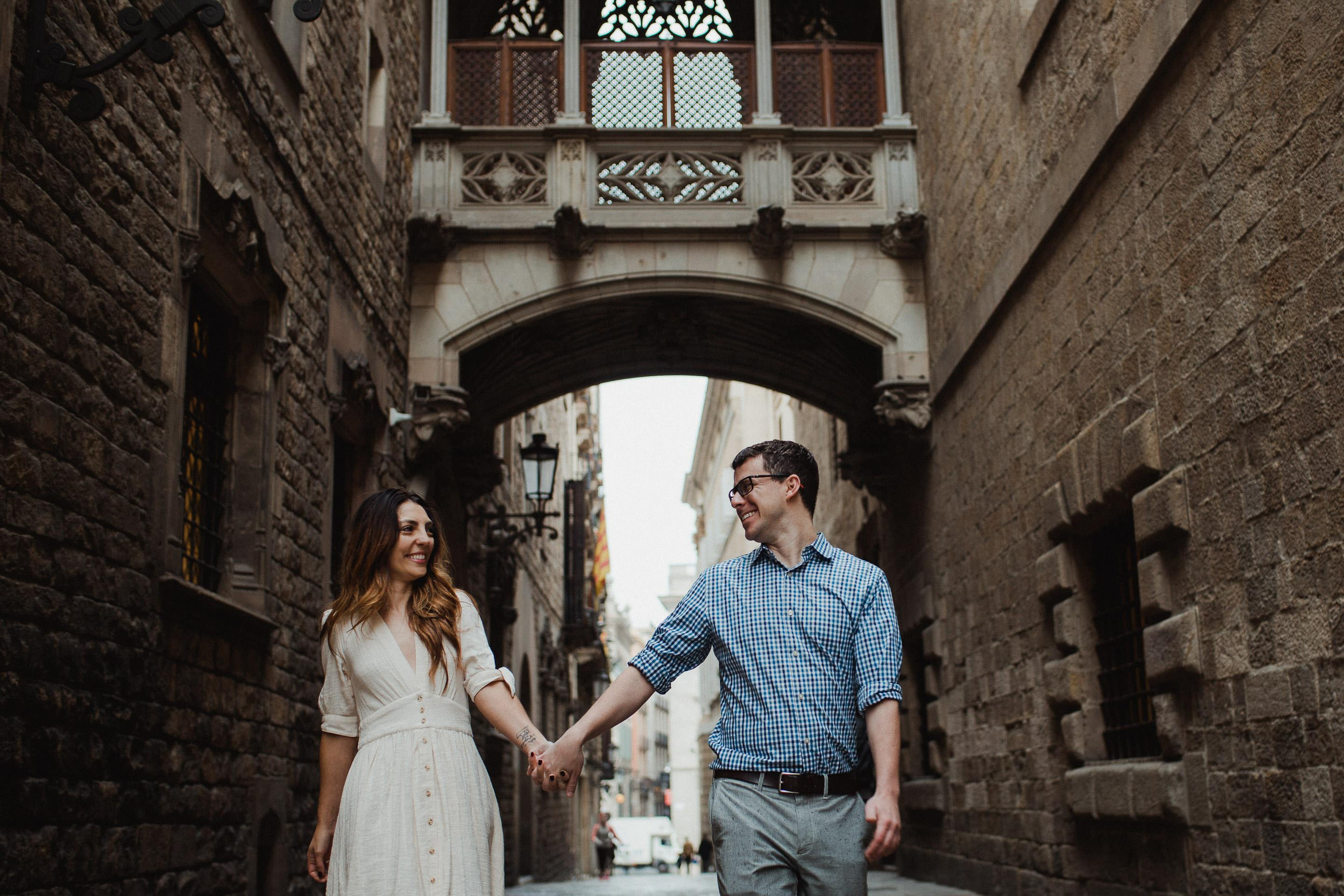 barcelona-couple-engagement-3
