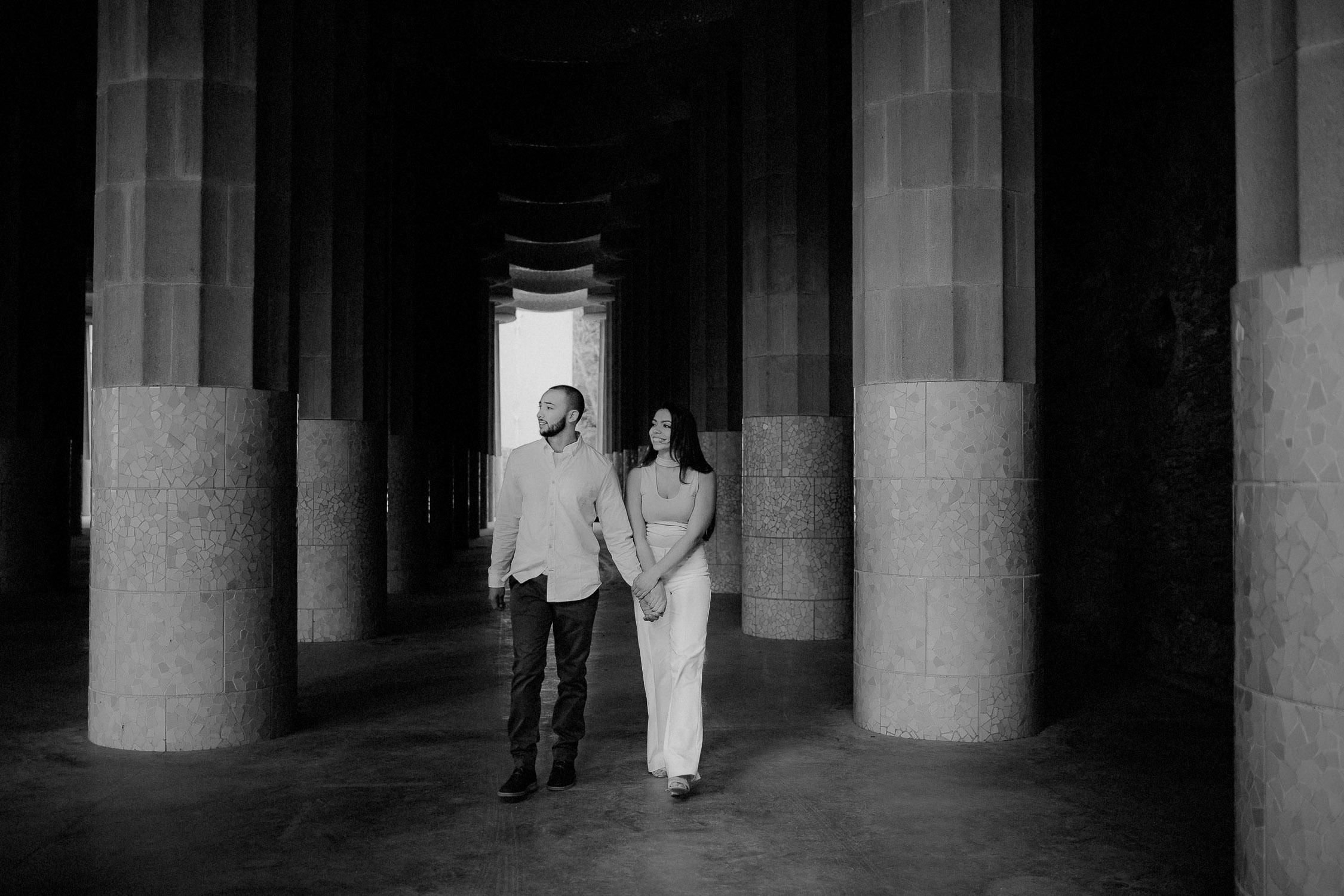 Couple photoshoot in Barcelona Parc Guell